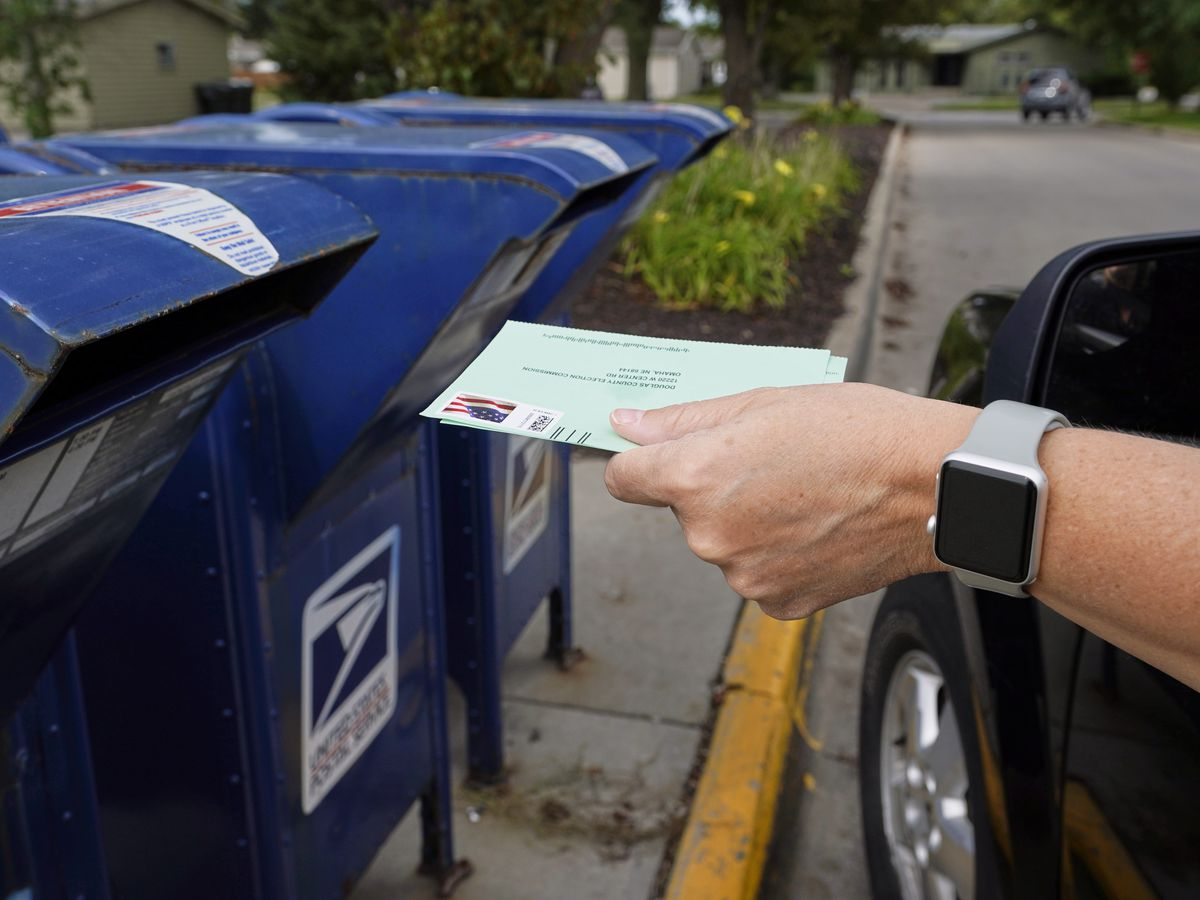 Records: Mail delivery lags behind targets as election nears