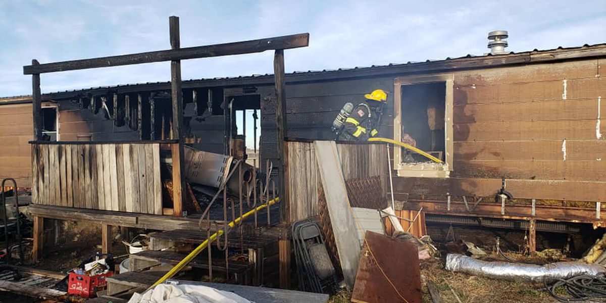 Mobile home destroyed in Sunday afternoon fire