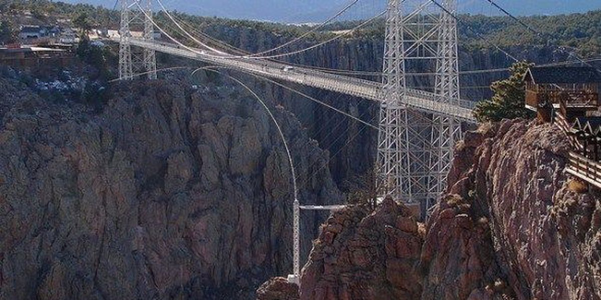 TX woman falls to her death in Royal Gorge