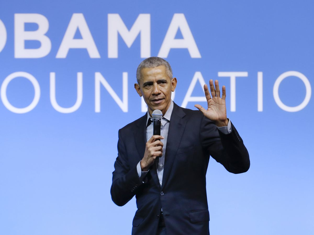 Obama steps out as nation confronts confluence of crises