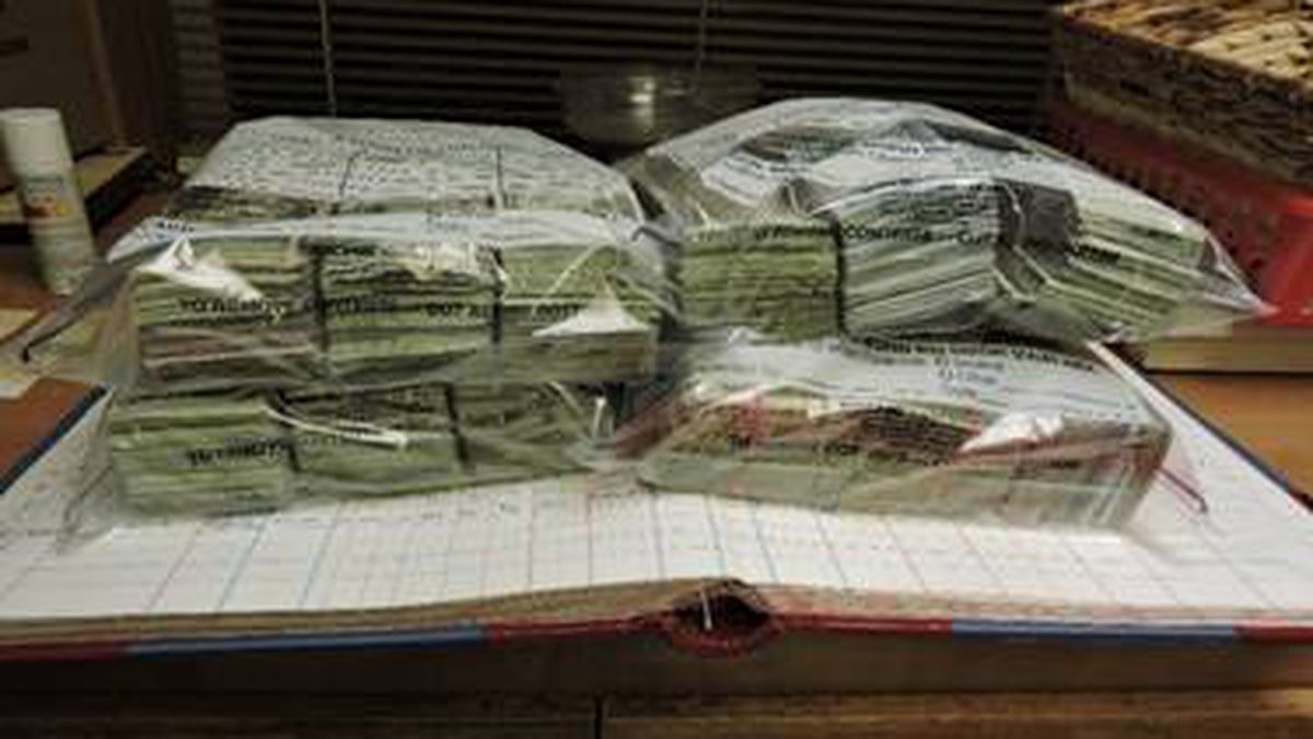1 person facing money laundering charges after more than $200,000 seized in traffic stop