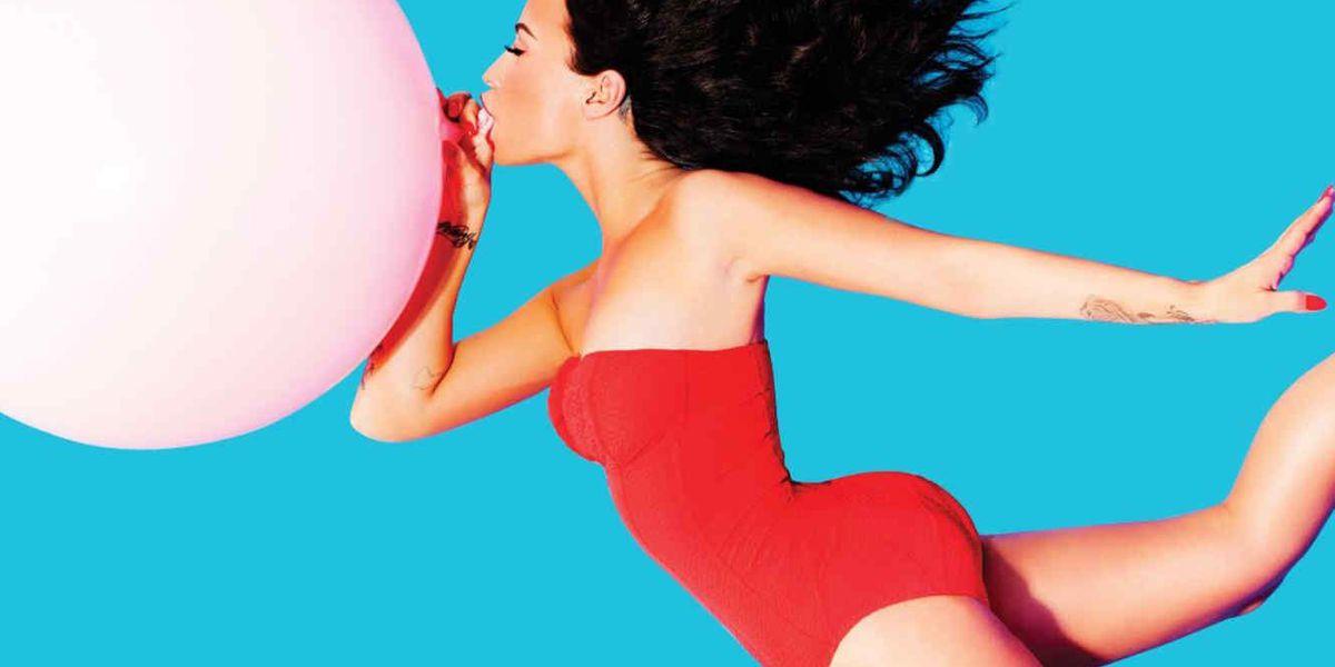 """Demi Lovato enciende las redes con su portada topless para la revista """"Complex"""""""