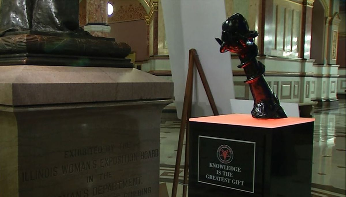 satanic temple sets up statue inside the illinois state capitol
