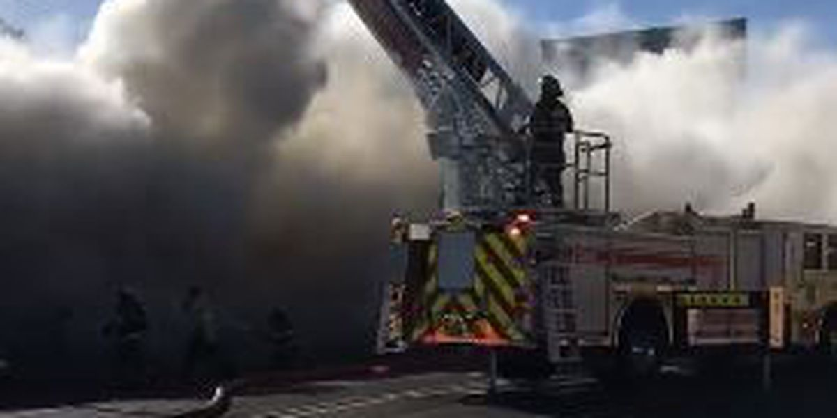 Crews investigating showroom fire in downtown Clovis