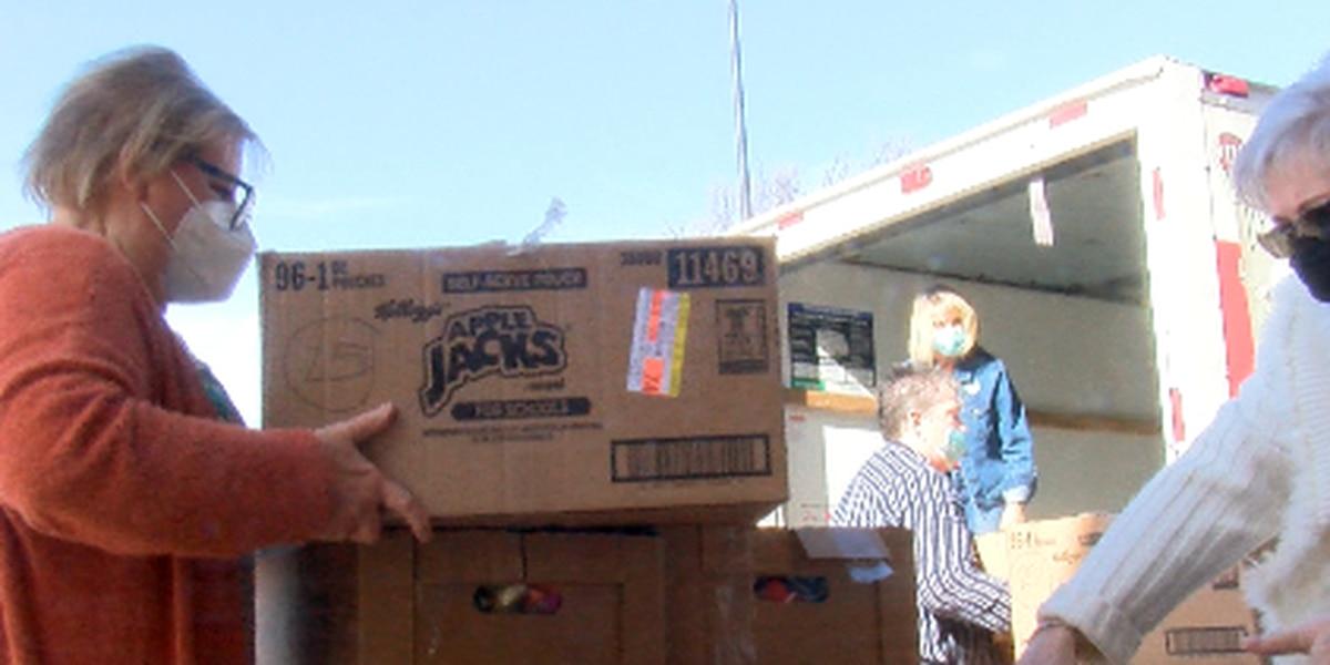 A nurses parent delivers thousands of goody bags to Amarillo nurses