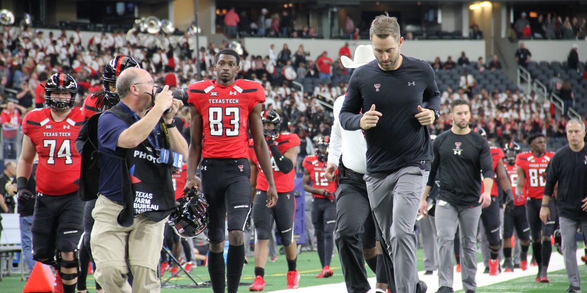 USC reportedly hires Kingsbury as Offensive Coordinator