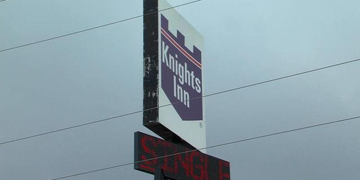 UPDATE: Occupants at Knights Inn say they're living in terrible conditions