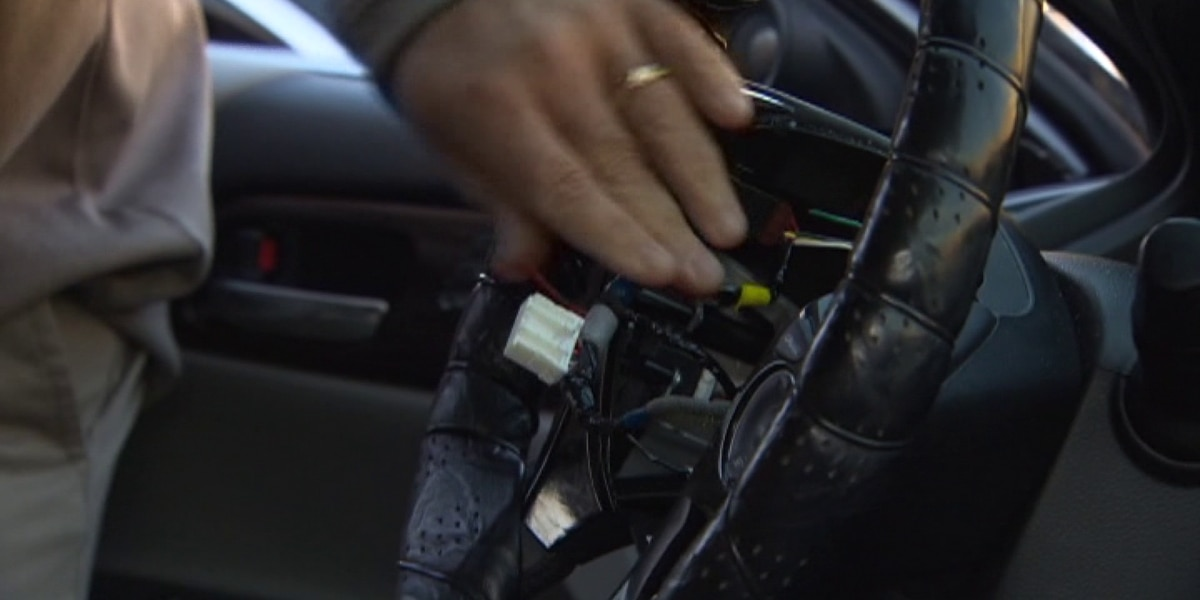 Police warn Honda drivers that thieves are stealing airbags