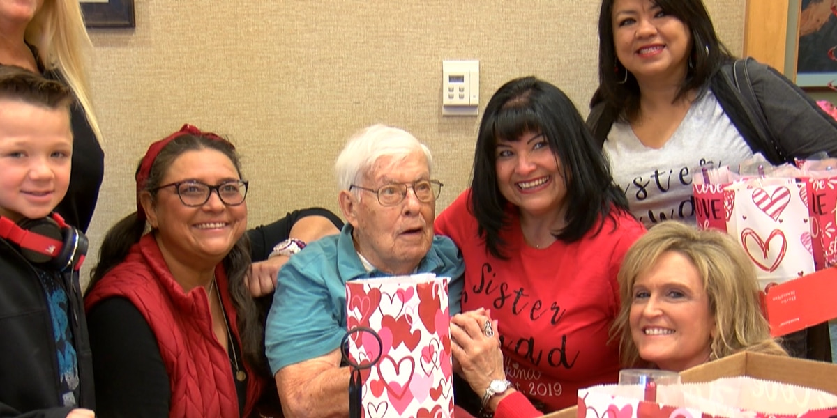 Amarillo Community of Sisterhood spends Valentine's Day with veterans