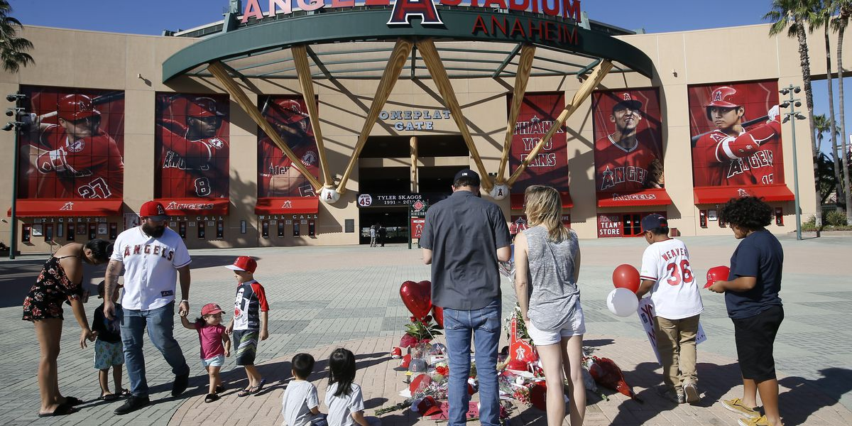 Angels, MLB mourn Tyler Skaggs after pitcher dies in hotel room