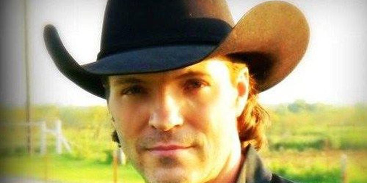 Country singer Daron Norwood found dead in Hereford apartment