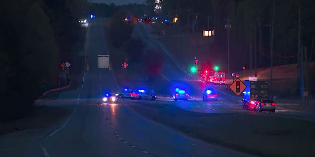 Georgia sheriff: 3 officers injured in chase, 1 suspect dead, 1 held