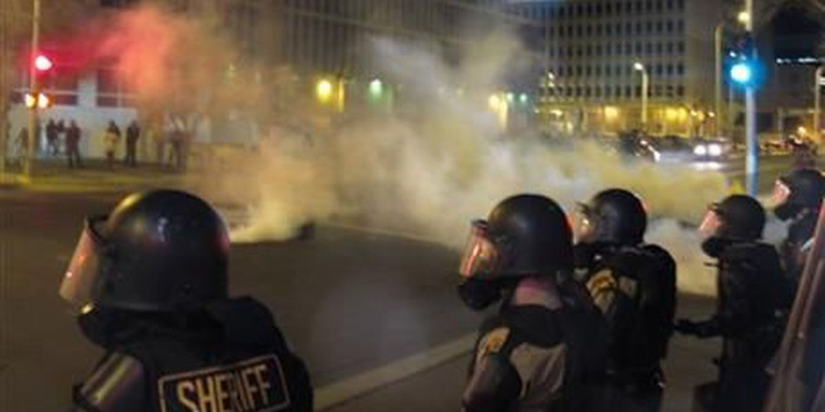 Protesters clash with police in Albuquerque, NM