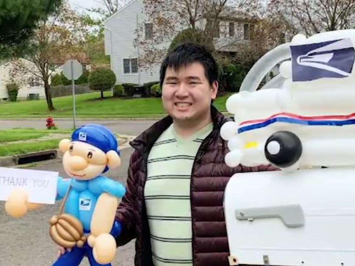 Artist with autism thanks essential workers with balloon sculptures