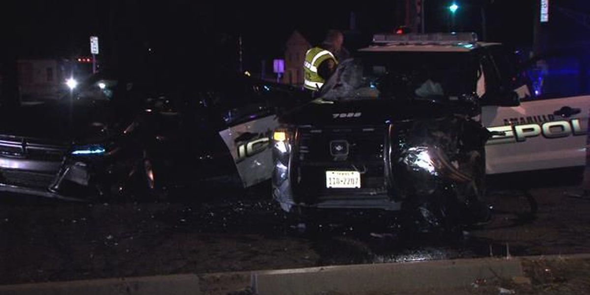 Two Amarillo police officers sent tothe hospital after driver ran into them