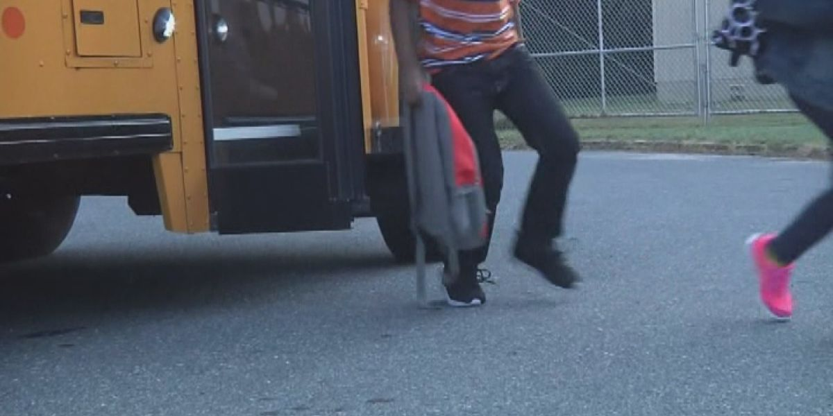 AAA warns Amarillo motorists about dangers at school bus stops