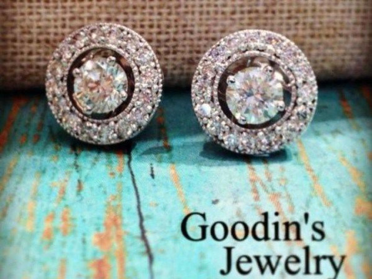 Moms Talk: Goodin's Jewelry