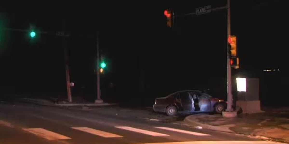 Police searching for driver who fled scene of accident