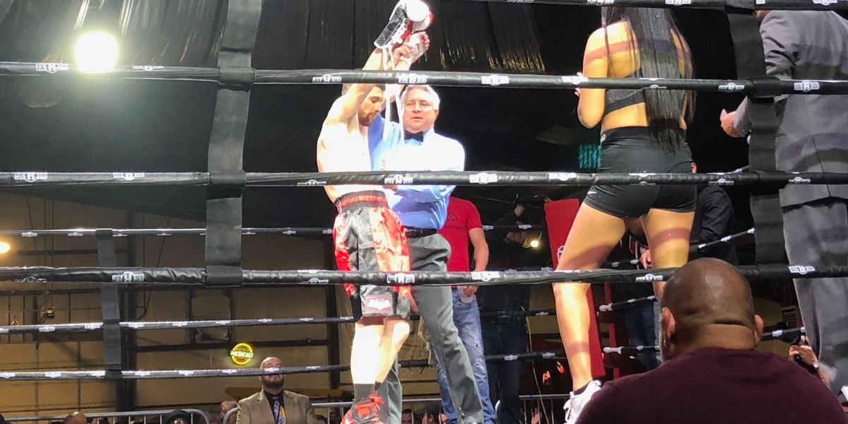 Local fighters put on a show in their professional boxing debuts