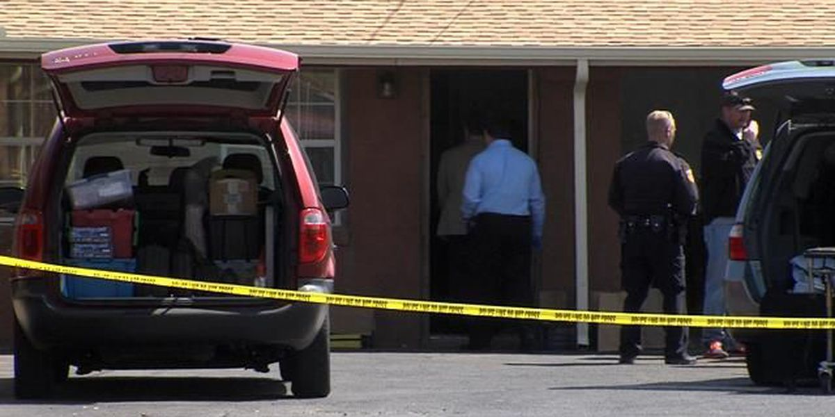 APD and Special Crimes investigate death at local motel