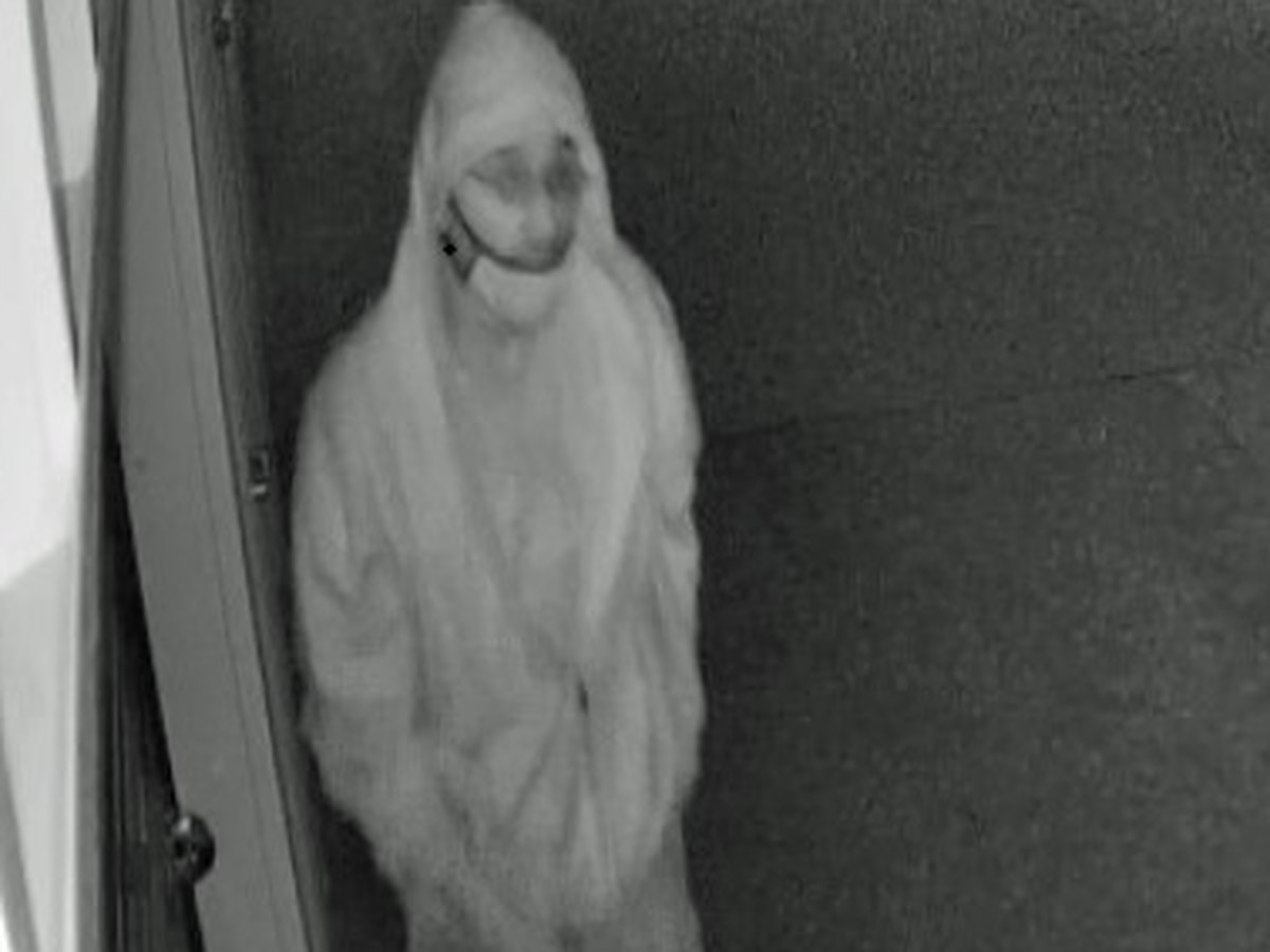 Amarillo police search for man suspected of burglarizing storage units