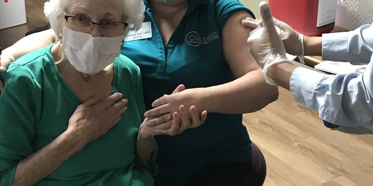Childress grandmother and granddaughter receive COVID-19 vaccine together