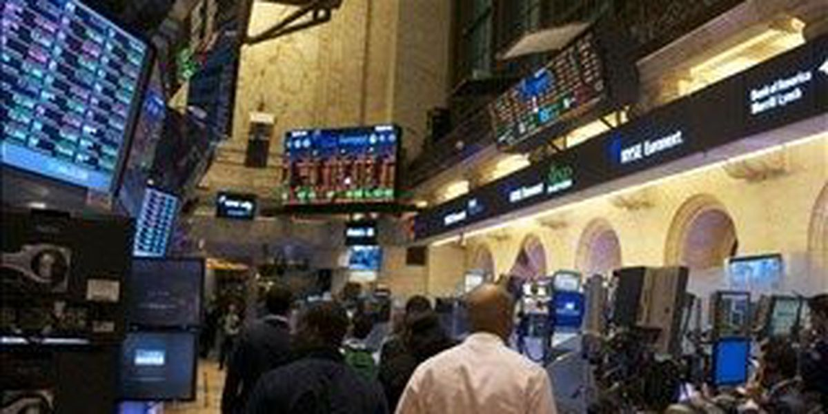 Glitch halts trading on NYSE; other exchanges unaffected