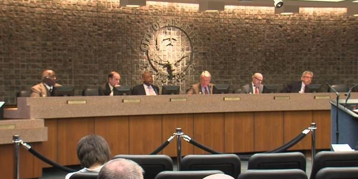 City council members review suggestions on Ordinance 7333