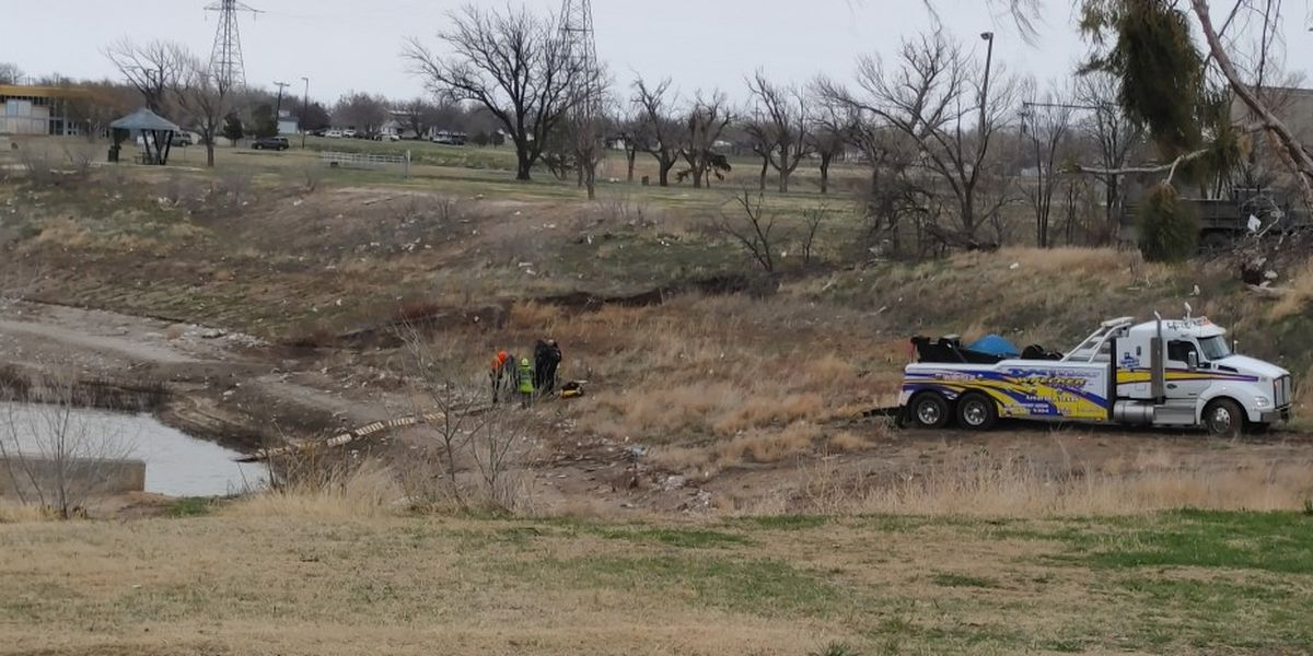 Amarillo police investigating after stolen car found in Martin Road Lake