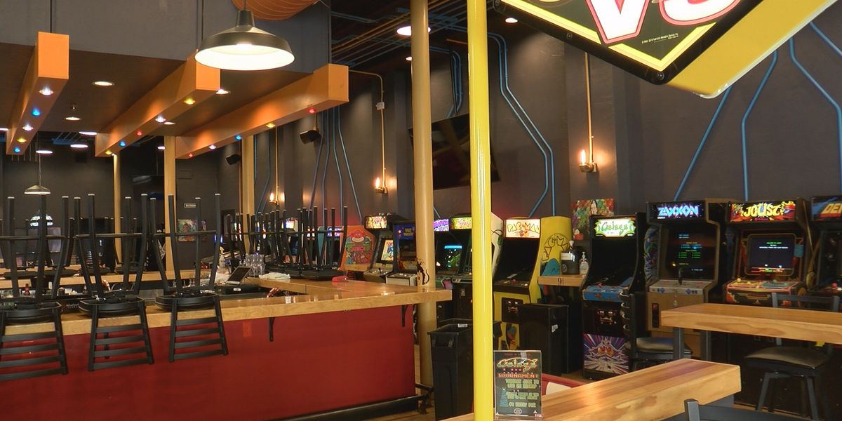 Many Amarillo bars turning into restaurants in order to survive