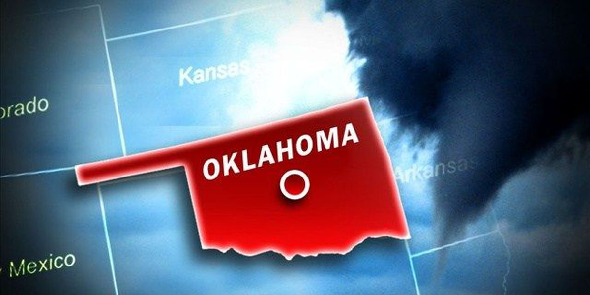 Tornadoes strike central US, killing 2 in Oklahoma
