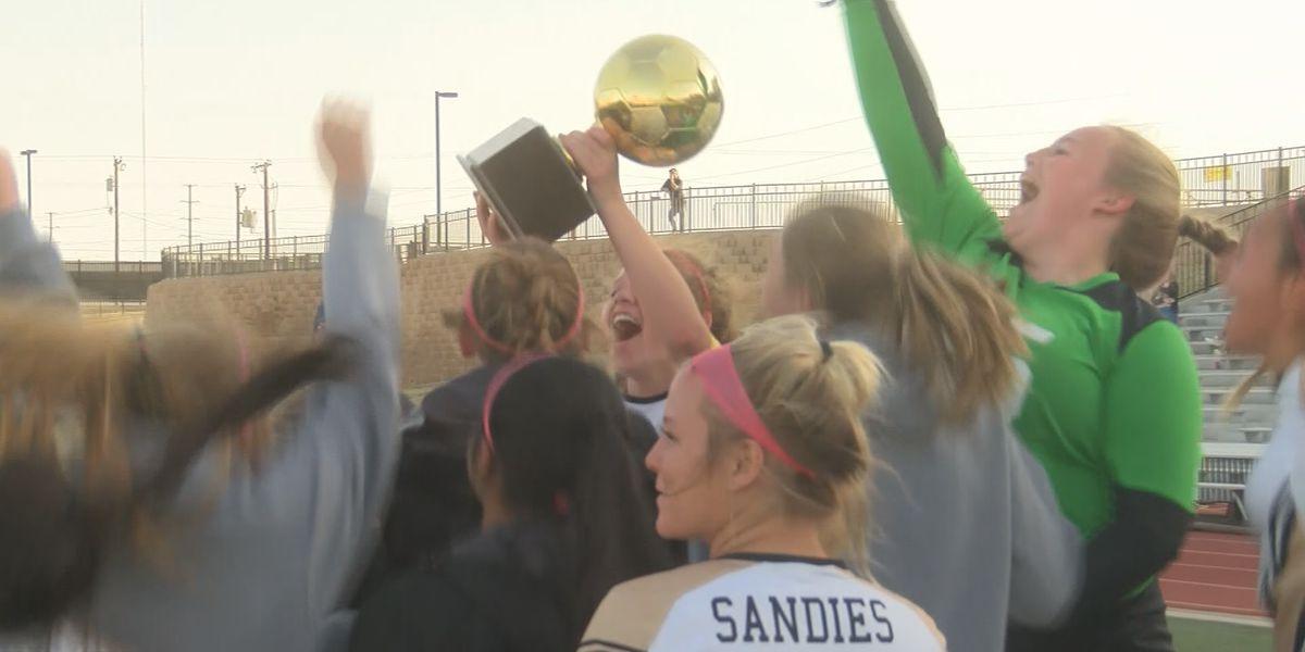 Lady Sandies top Coronado, advancing to first regional semifinal since 2013