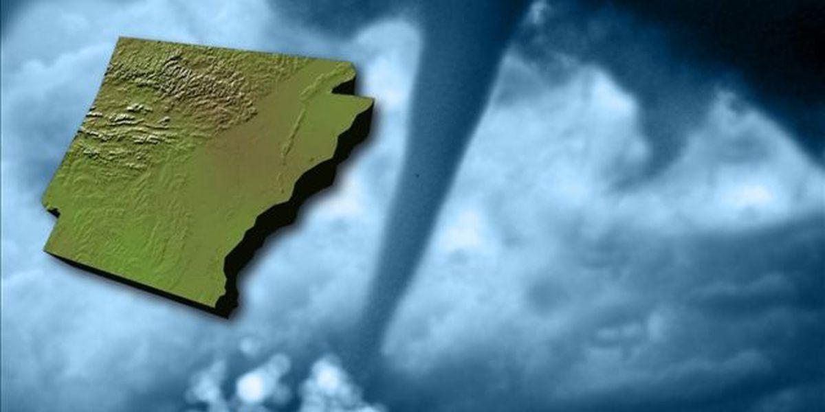 Arkansas tornadoes injure 5, damage homes