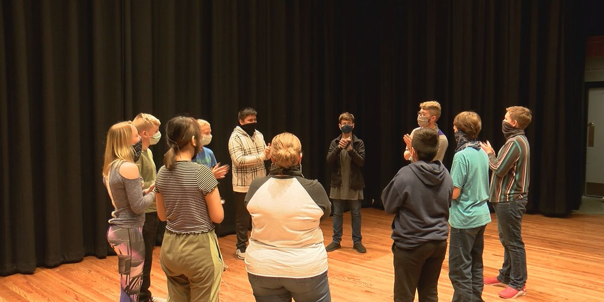 River Road Middle School theatre students don't talk for 24 hours