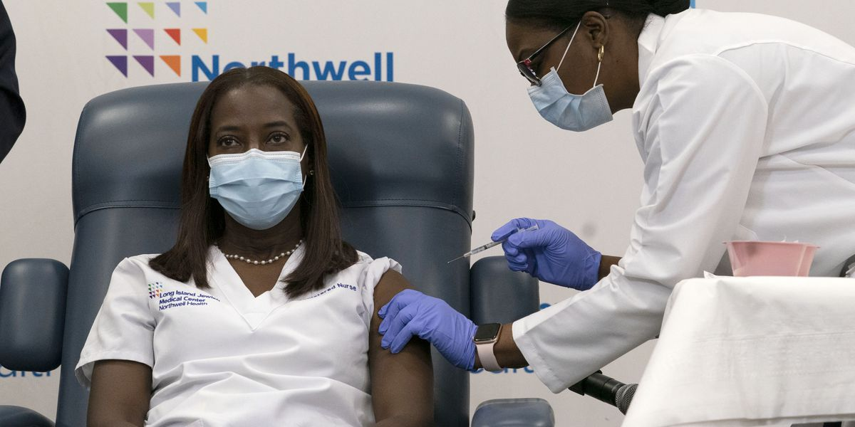 'Healing is coming': US health workers start getting COVID-19 vaccine