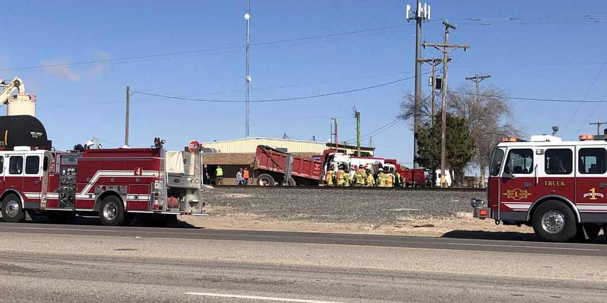 1 injured after train, vehicle crash on Clovis Road