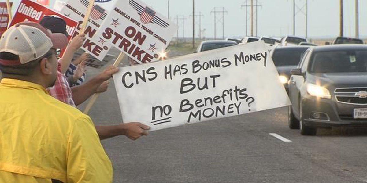 Pantex strikers see support