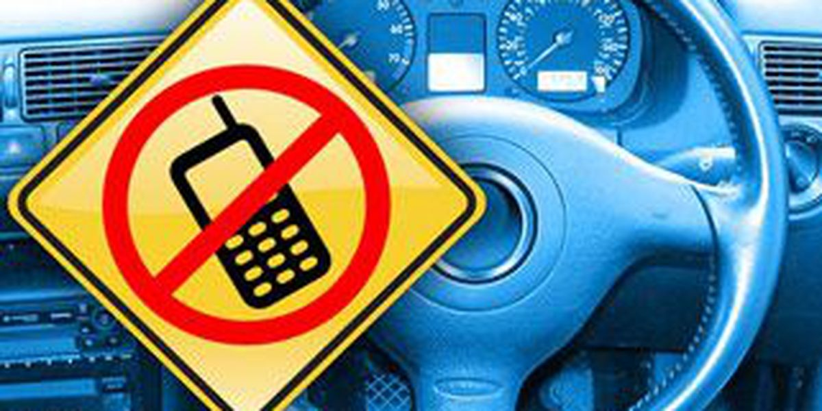 NM lawmakers OK ban on texting while driving