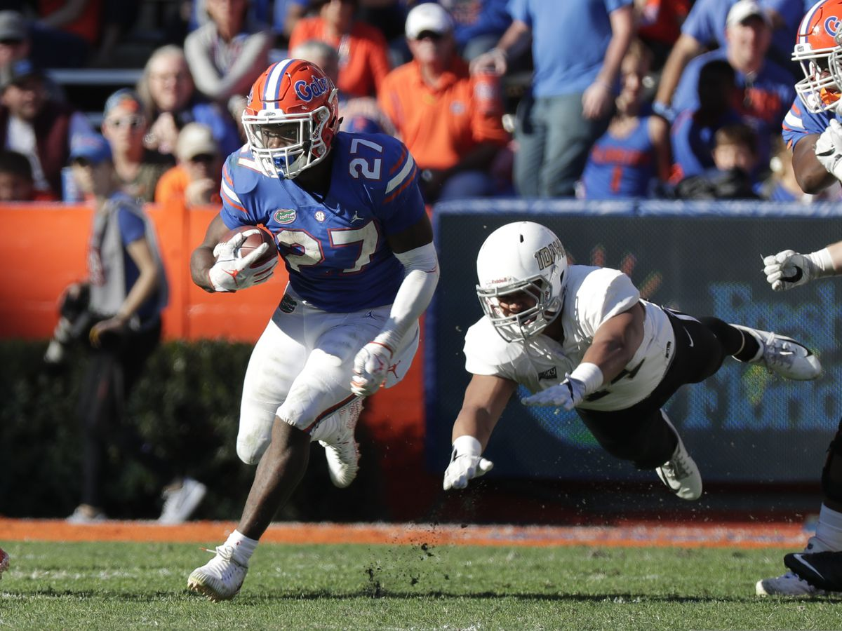 No. 15 Florida rides Feleipe Franks' arm to rout Idaho 63-10
