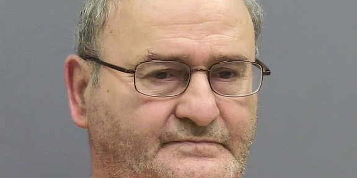 Illinois man to stand trial in 2003 killing in New Mexico