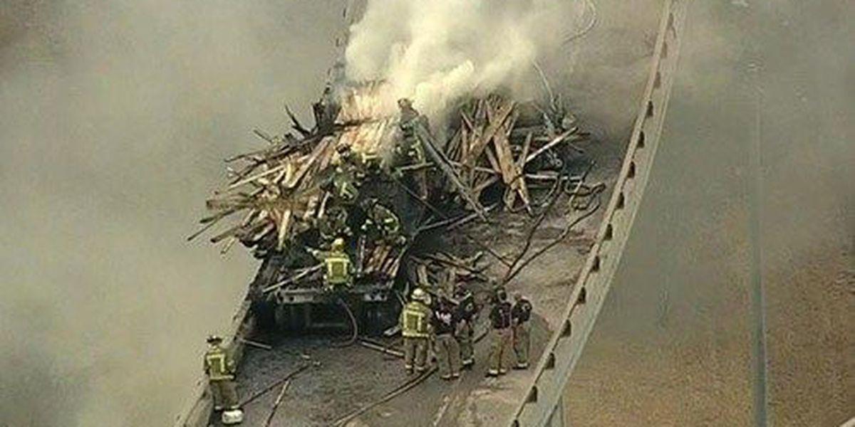 4 dead in fiery wreck on Dallas overpass
