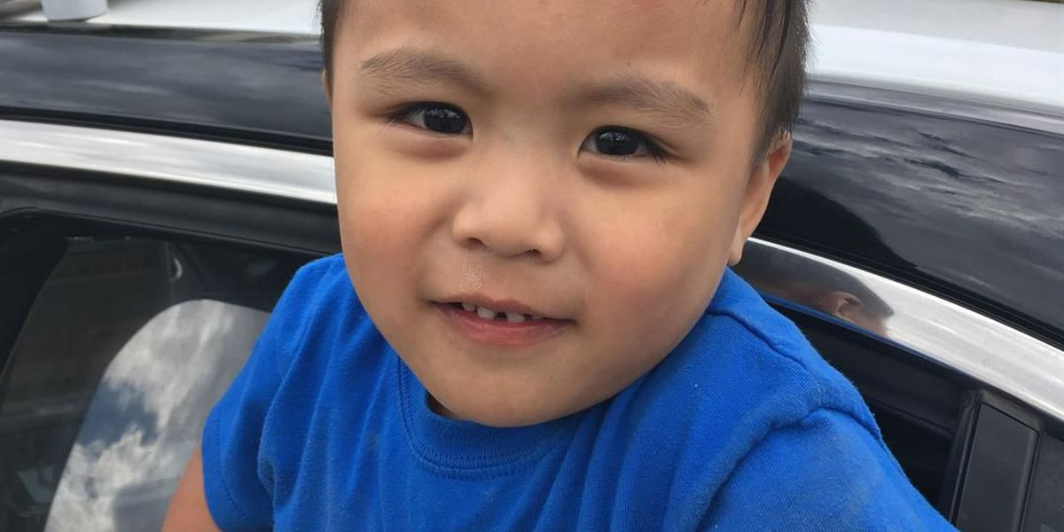 Family of child found alone located