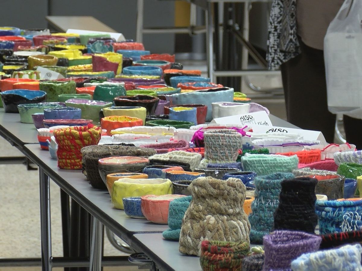 Students handcraft bowls to raise money for food insecurity in Amarillo