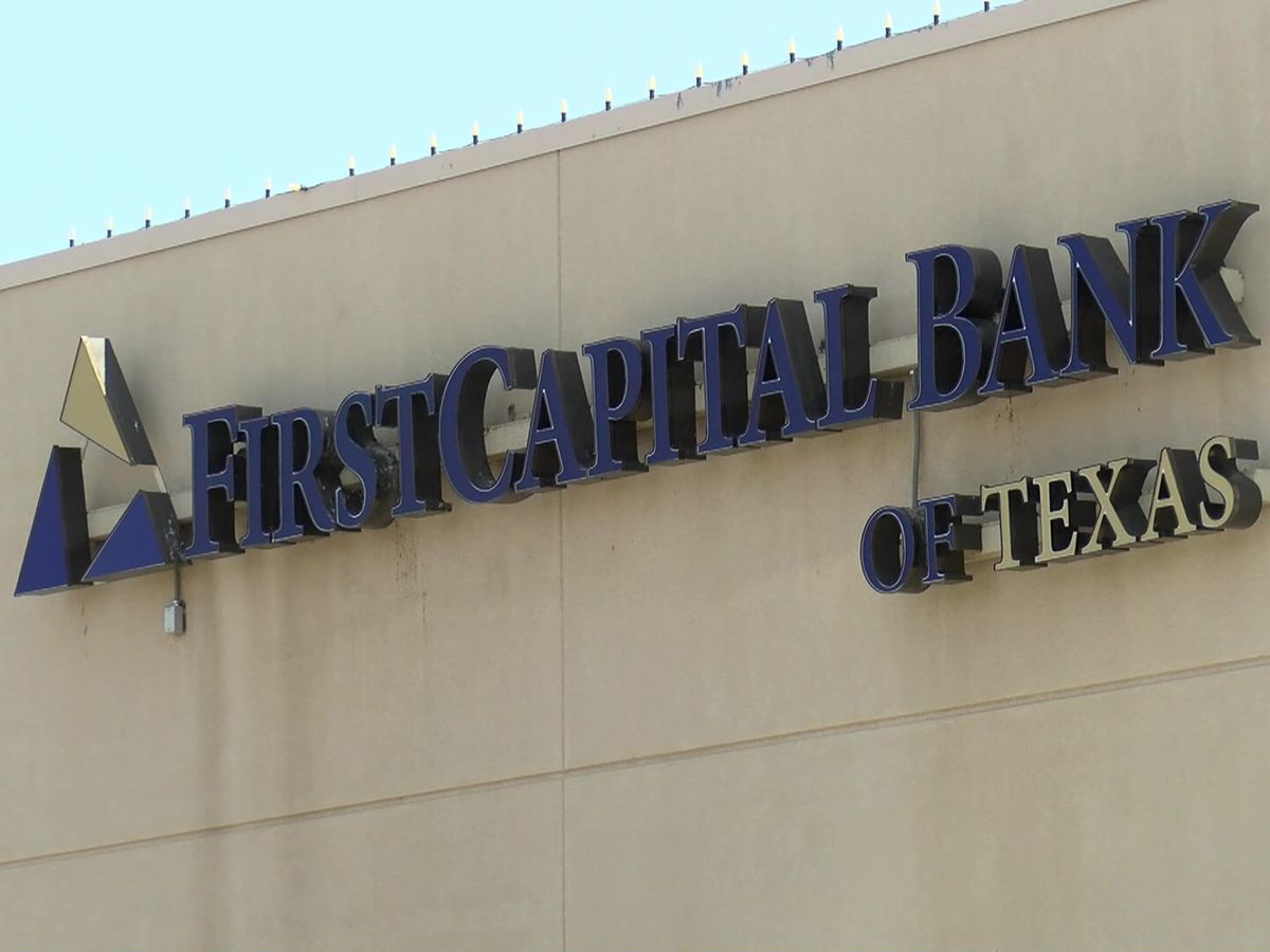 FirstCapital Bank of Texas feeds Amarillo first responder