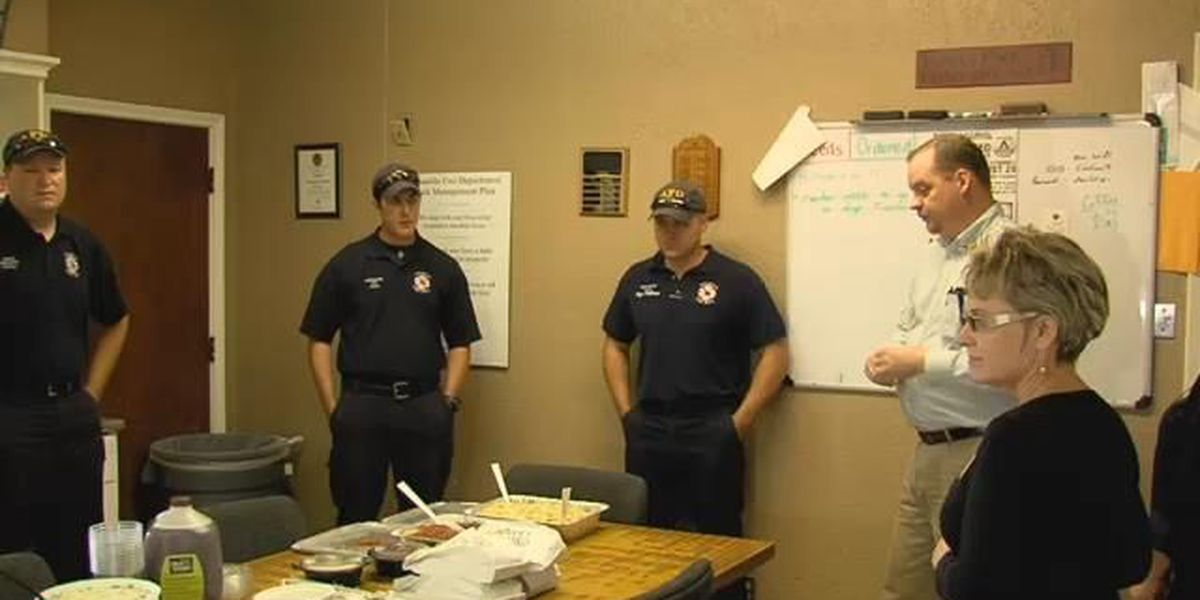 Amarillo firefighters get Labor Day meal for their service