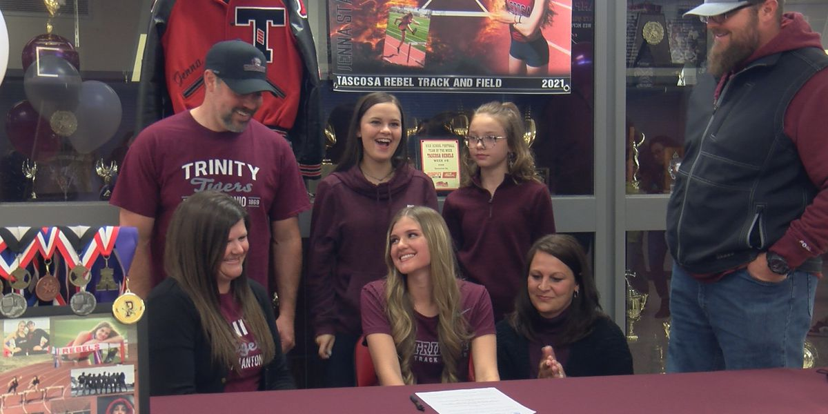 Tascosa hurdler Jenna Stavenhagen signs NLI to Trinity University