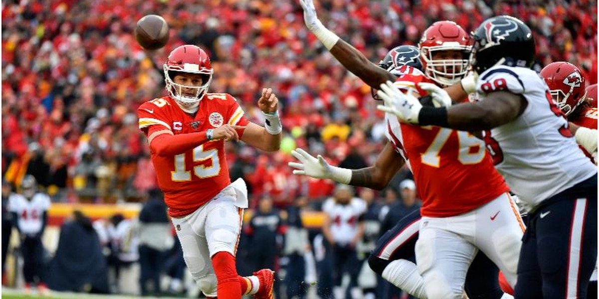 Chiefs, Patrick Mahomes agree to 10-year extension