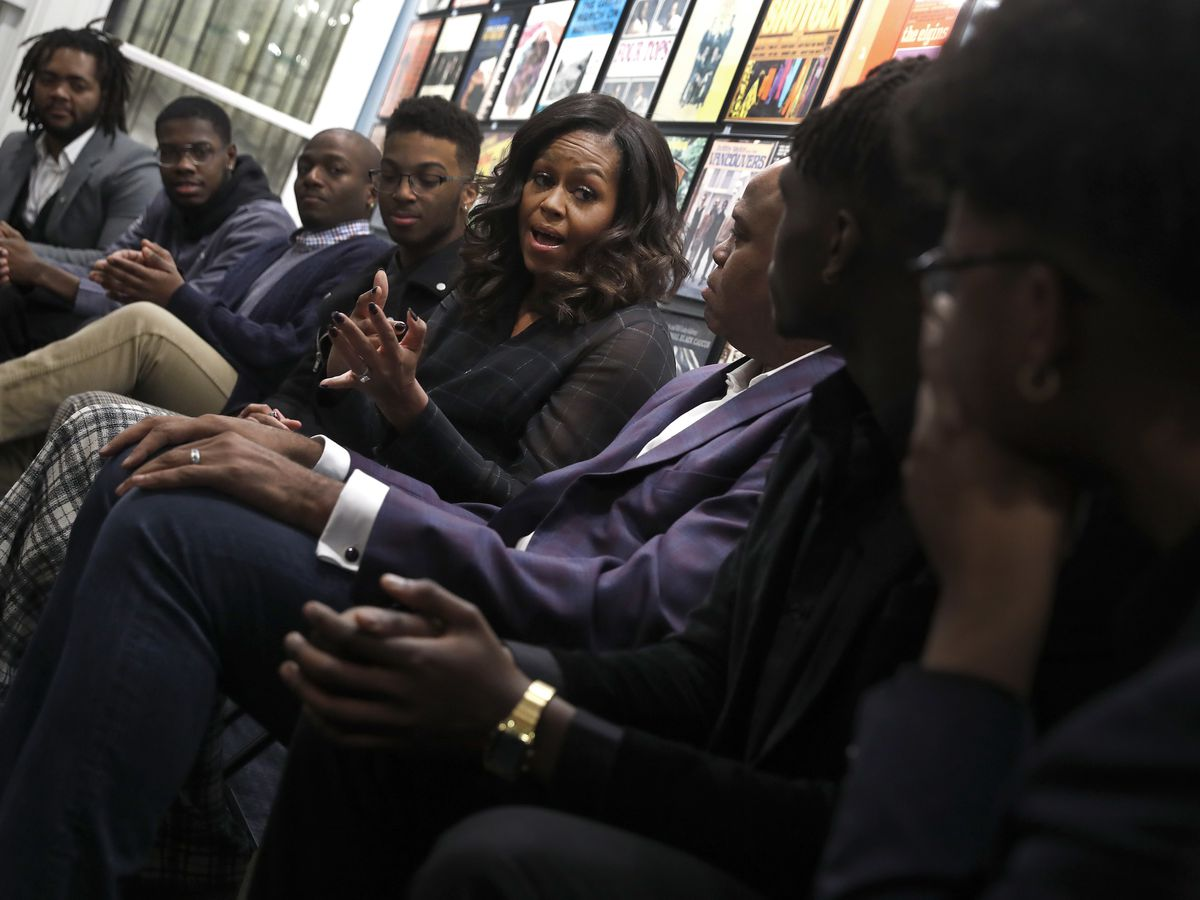 Michelle Obama surprises Detroit students at Motown Museum