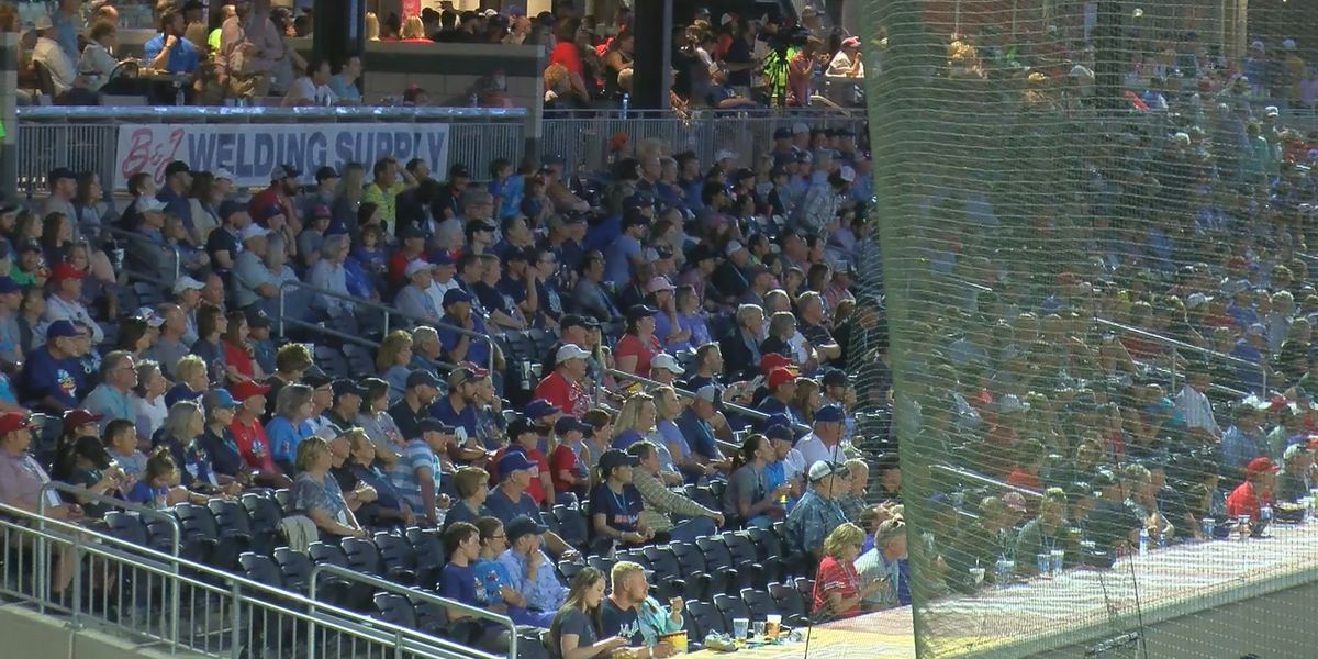 Thousands of fans visit Hodgetown for Sod Poodles Opening Day
