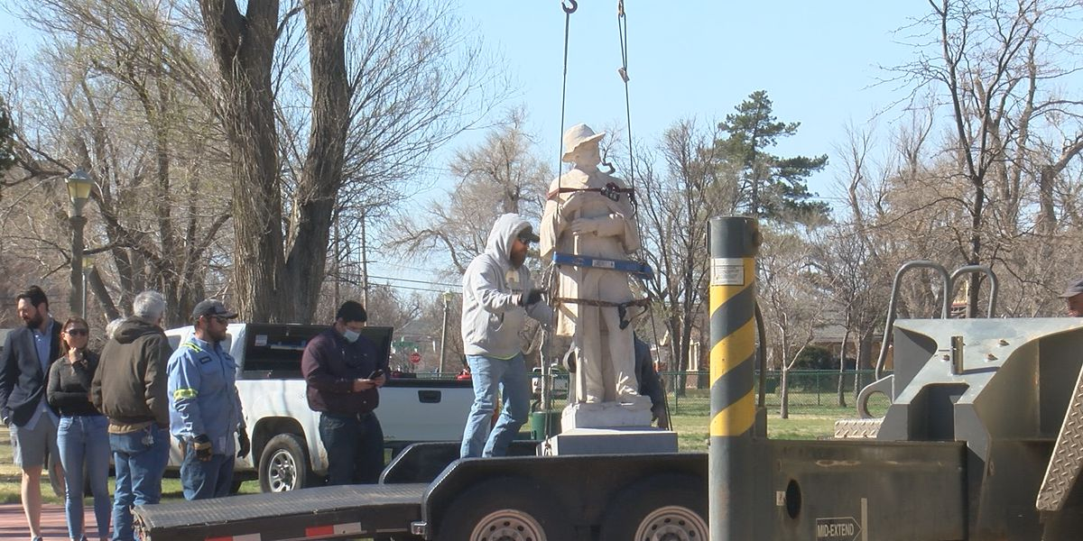 Statue of Confederate Soldier removed from Ellwood Park today